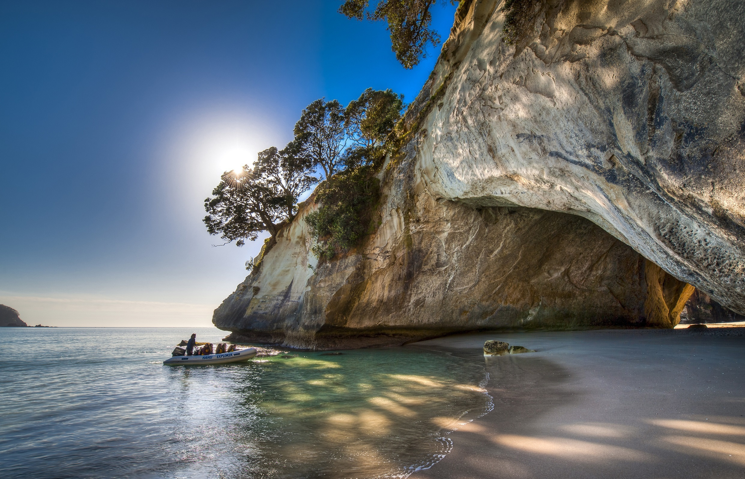 Cathedral Cove Wallpaper