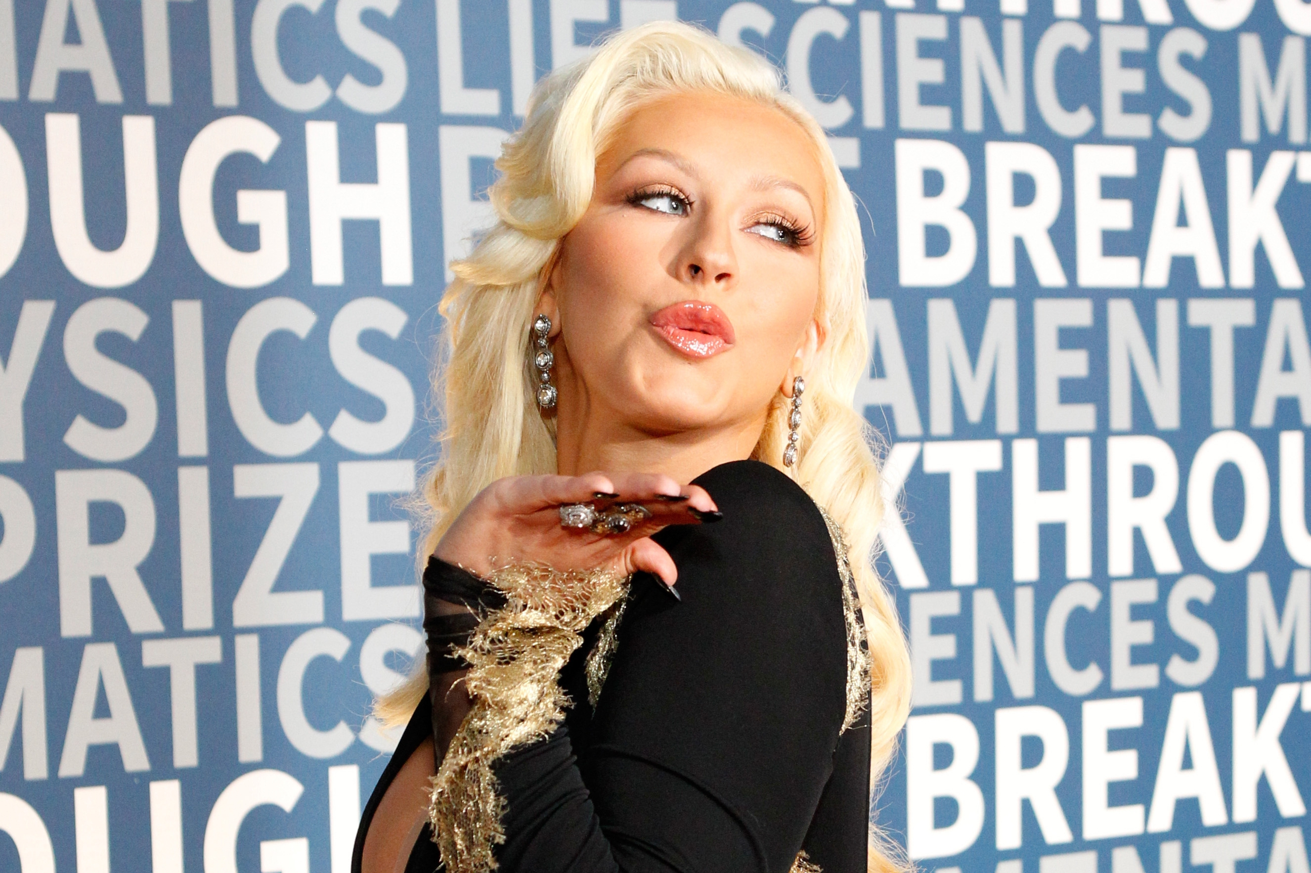 Christina Aguilera High Definition Wallpapers