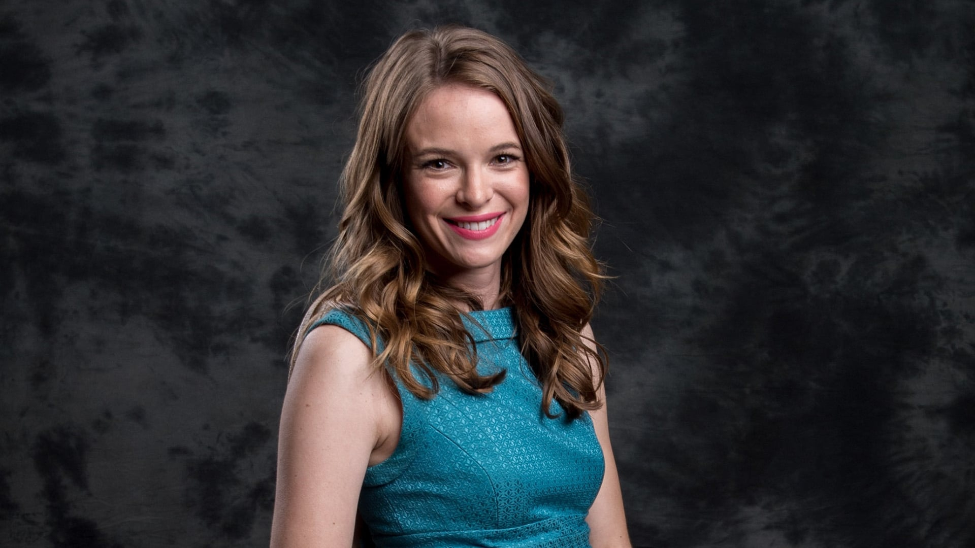 Danielle Panabaker Hd Background