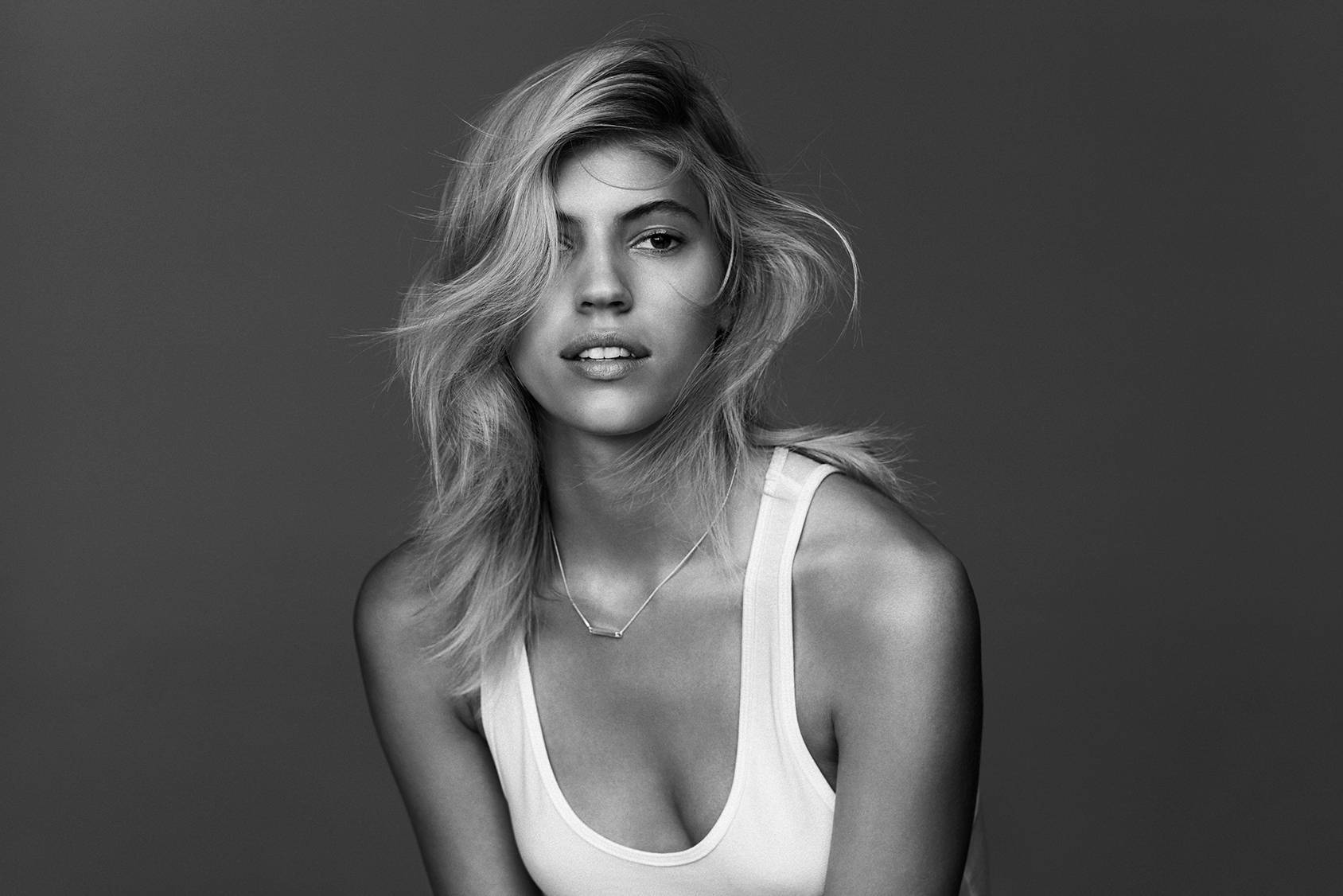 Devon Windsor Photos