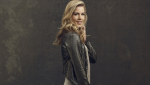 Emily Bett Rickards Wallpapers