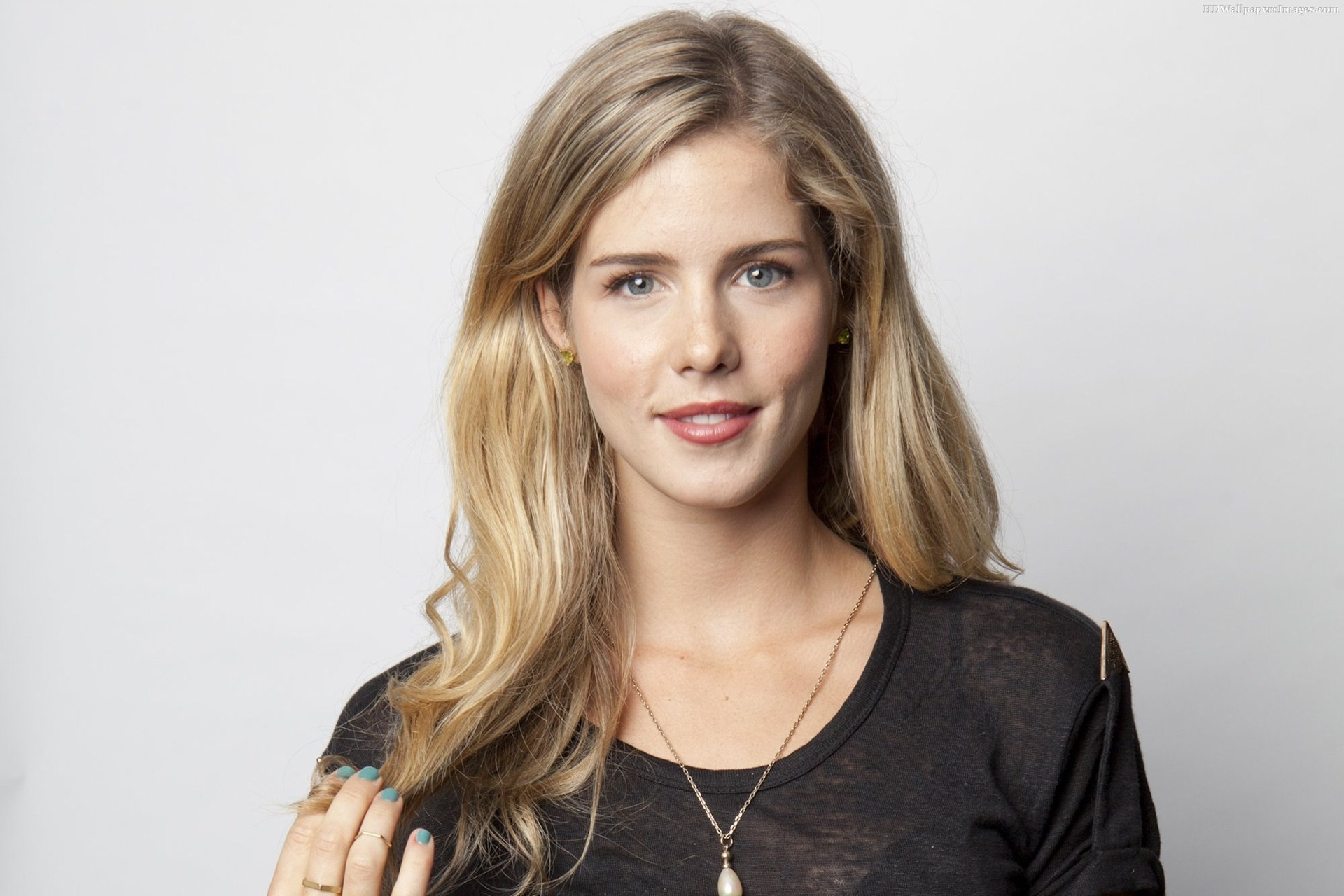 Emily Bett Rickards Wallpapers Hd