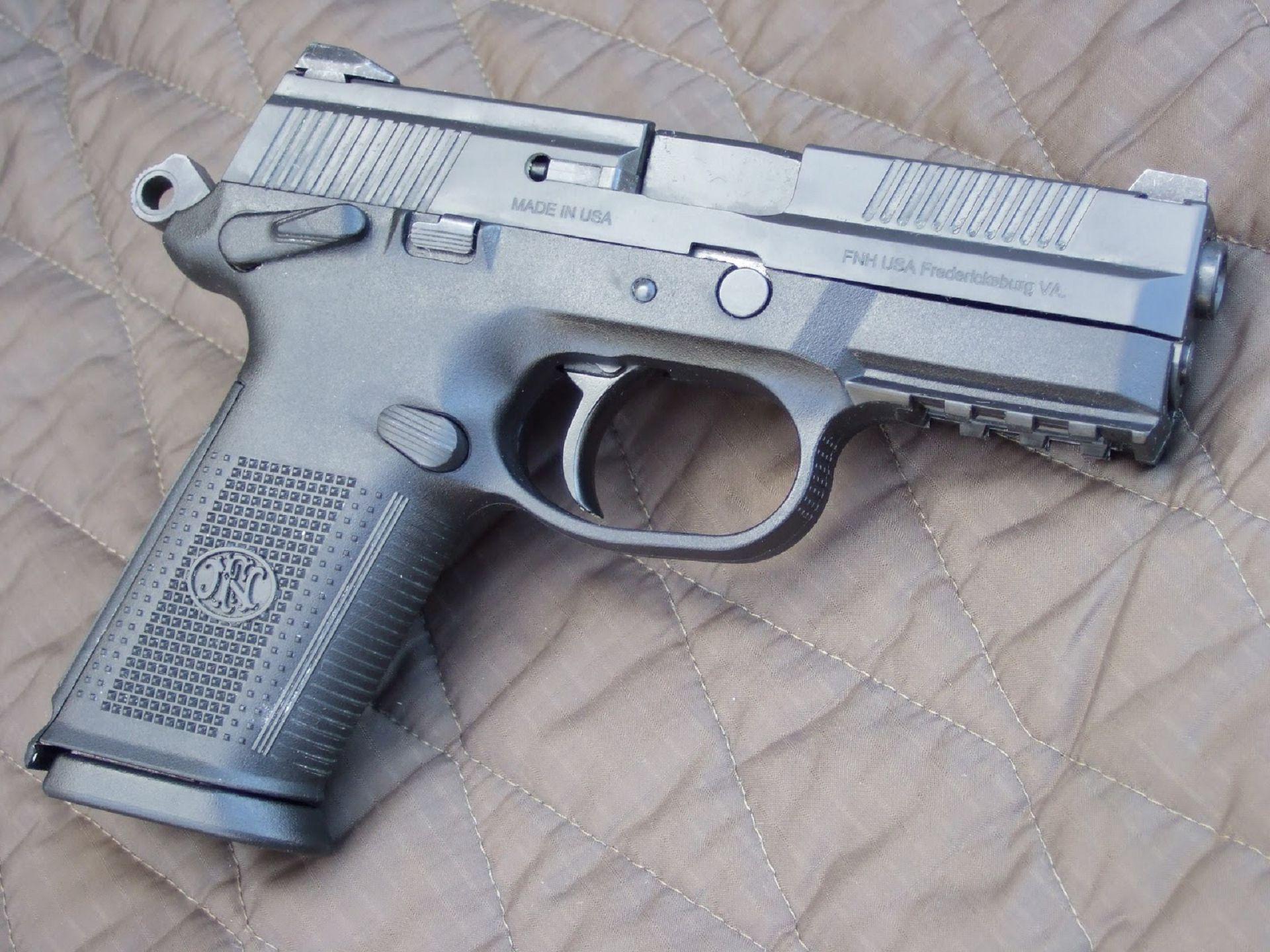 FN Herstal FNX-9