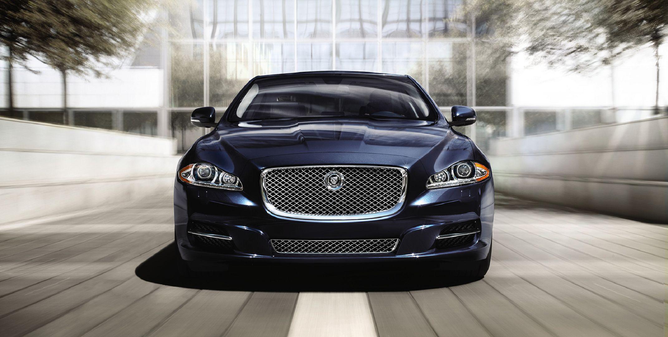 Jaguar Xj Photos