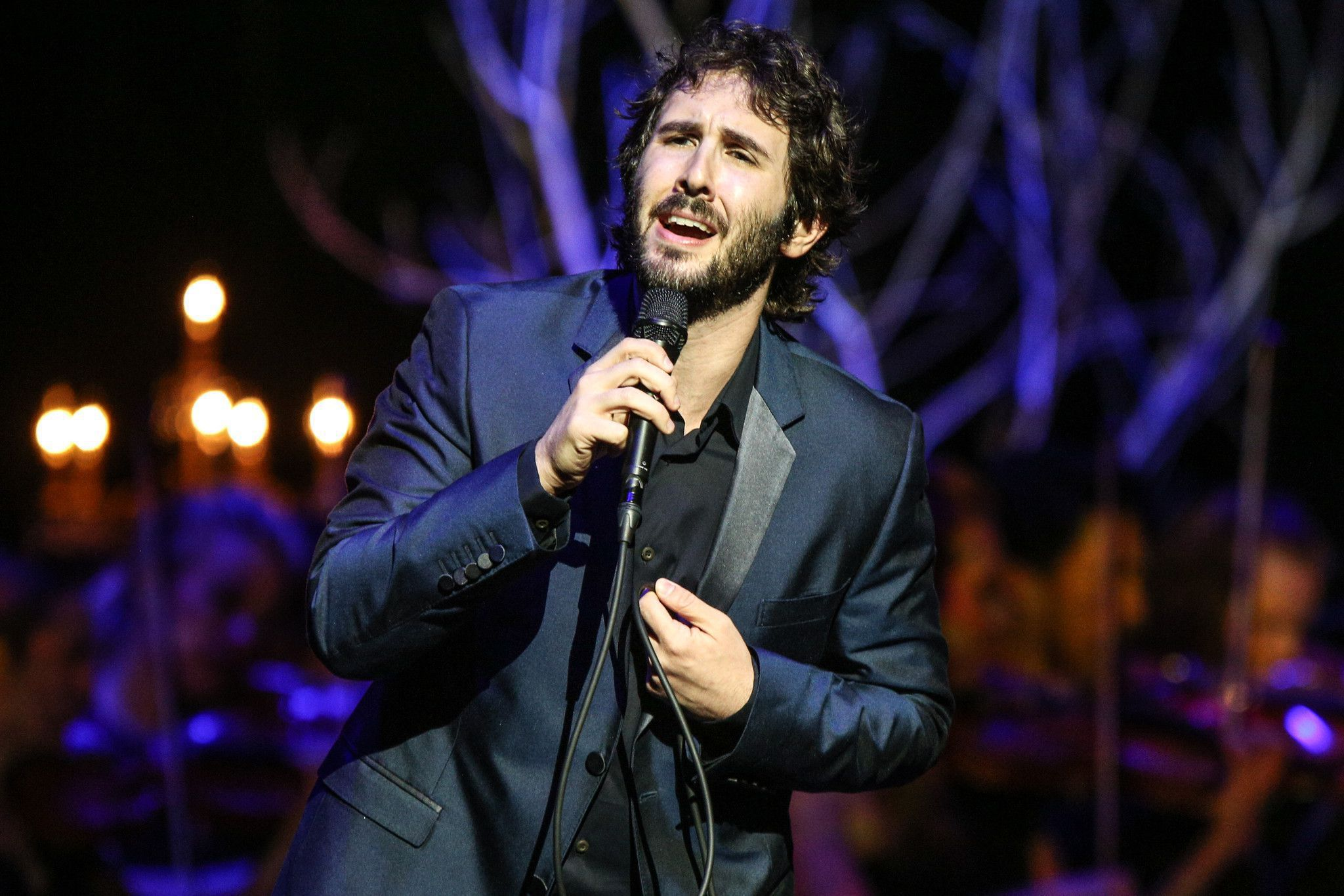 Josh groban's first christmas concert will be live streamed