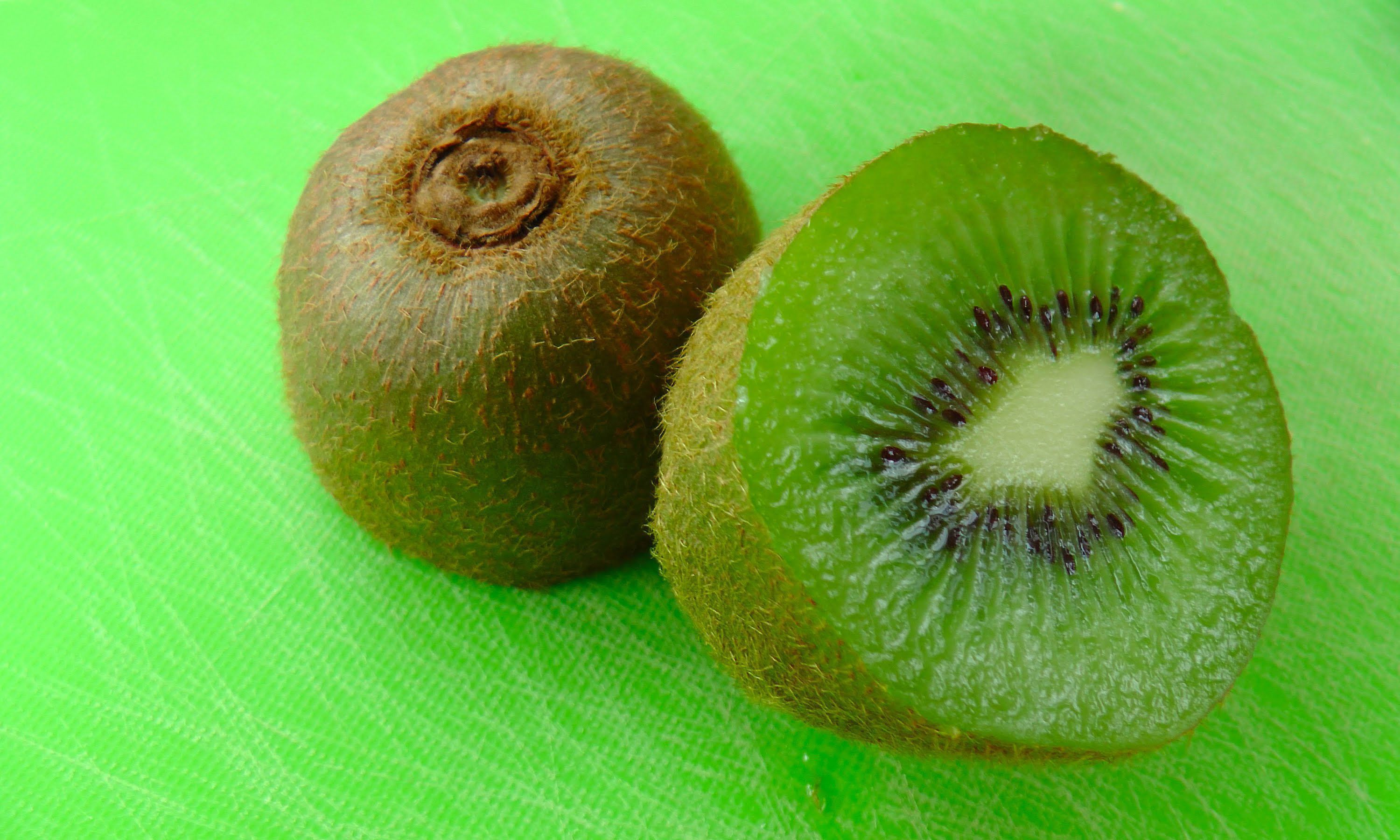 Kiwi For Desktop Background