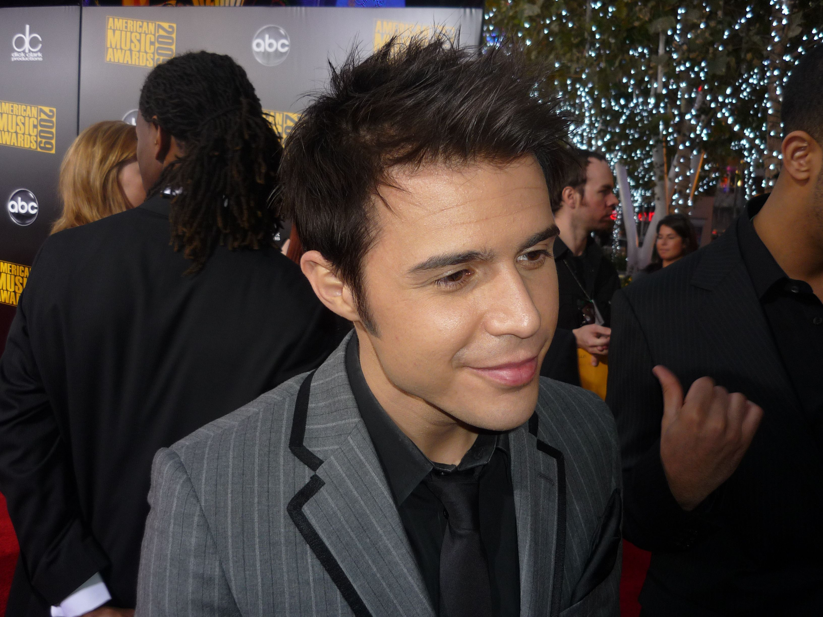 Kris Allen High Definition Wallpapers