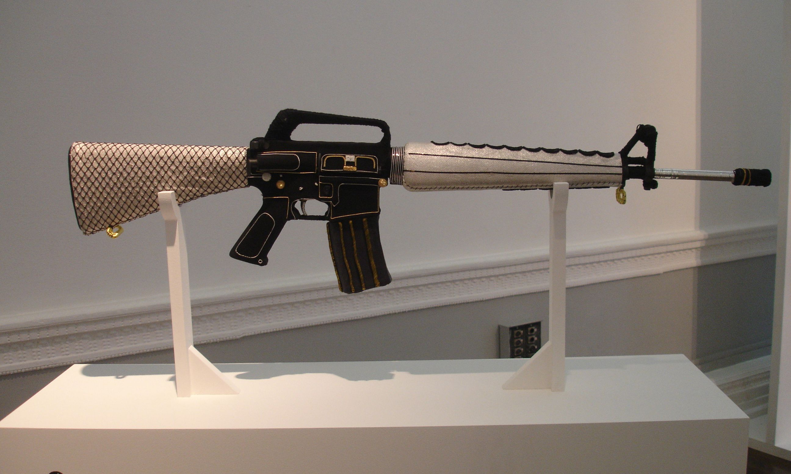 M 16 Pictures