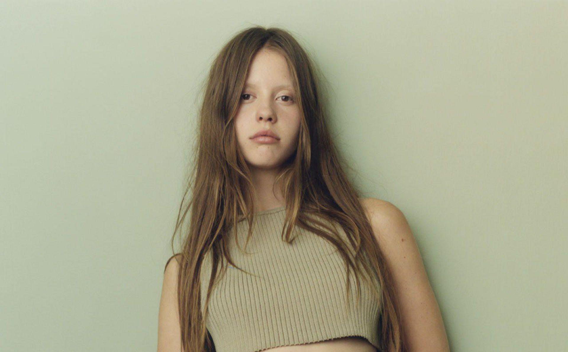 Mia Goth Images
