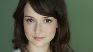 Milana Vayntrub Wallpaper