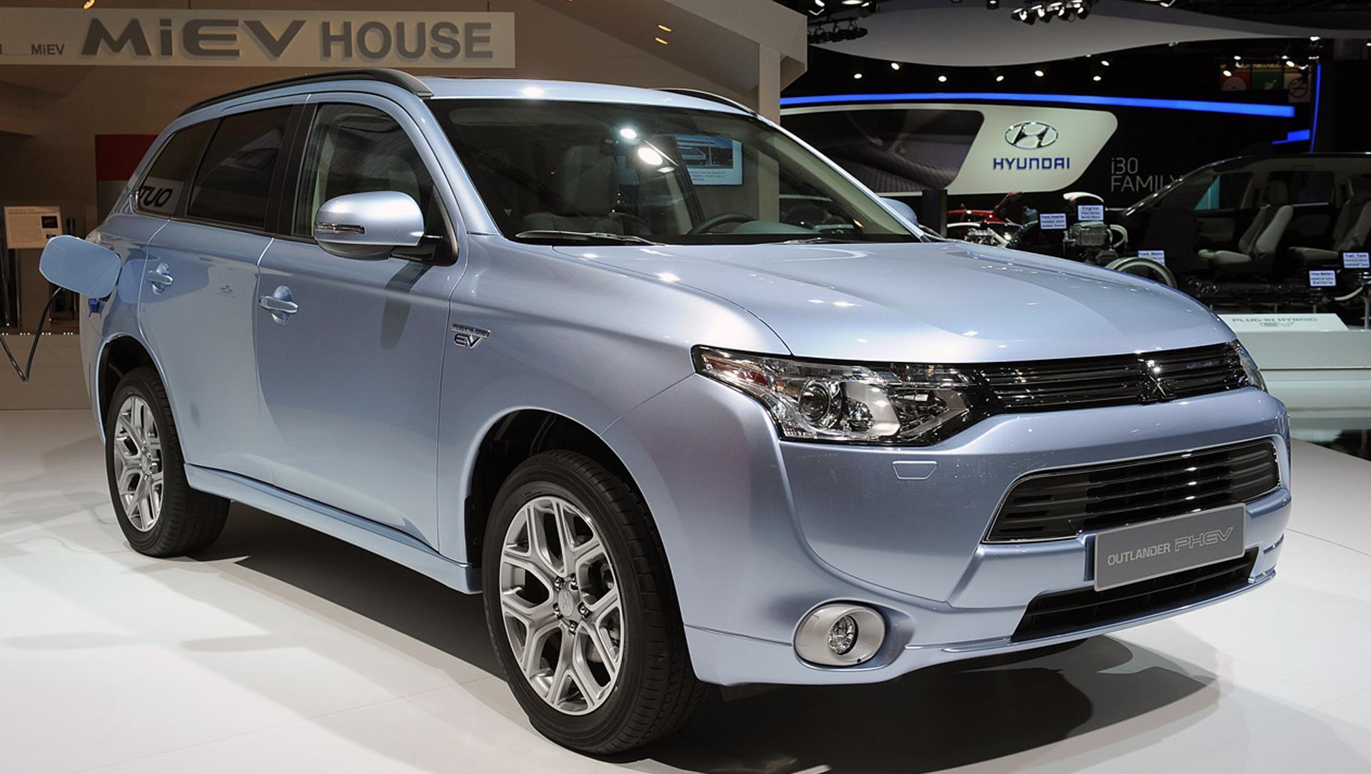 Mitsubishi Outlander Phev 4k