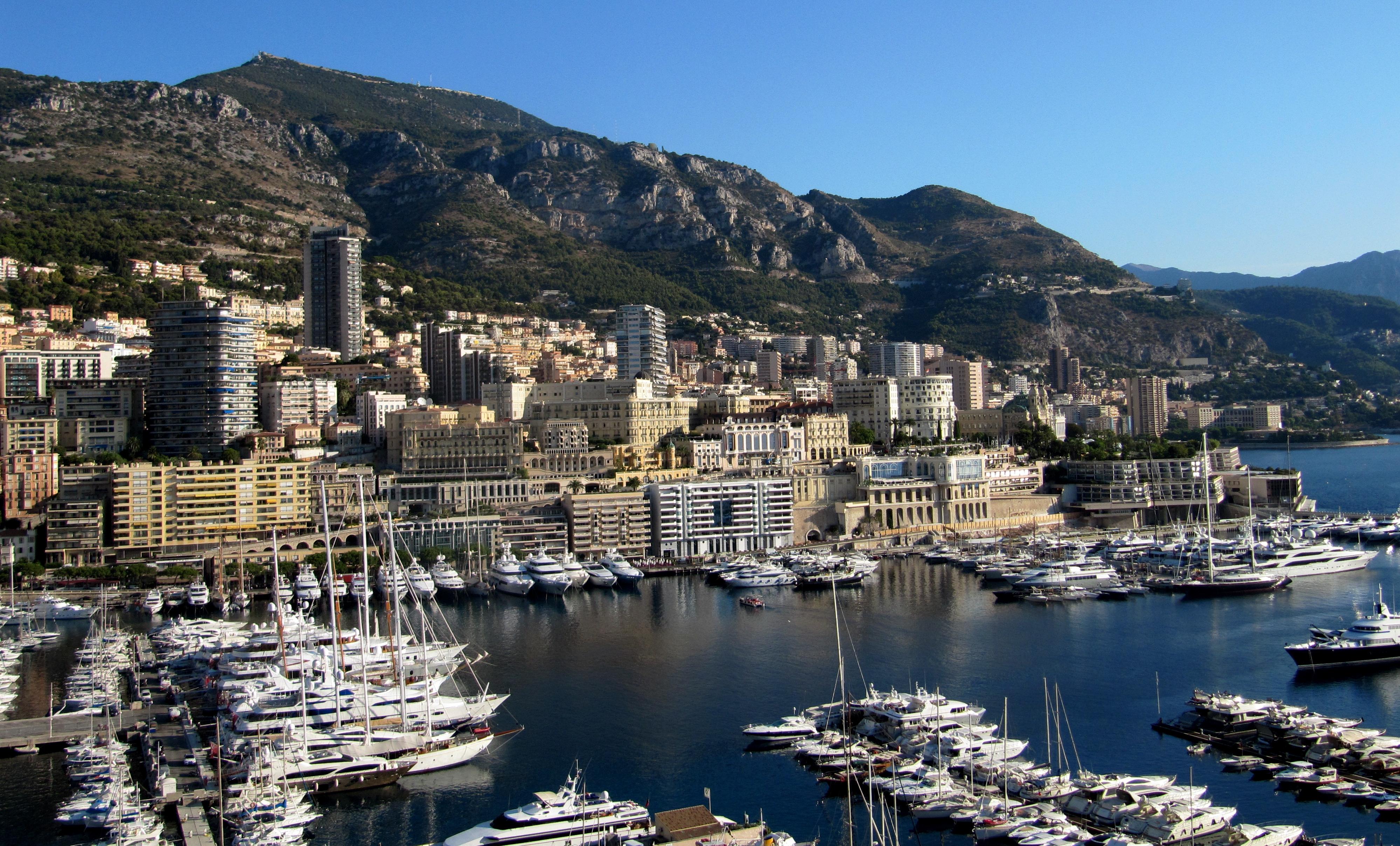 Monte Carlo Widescreen