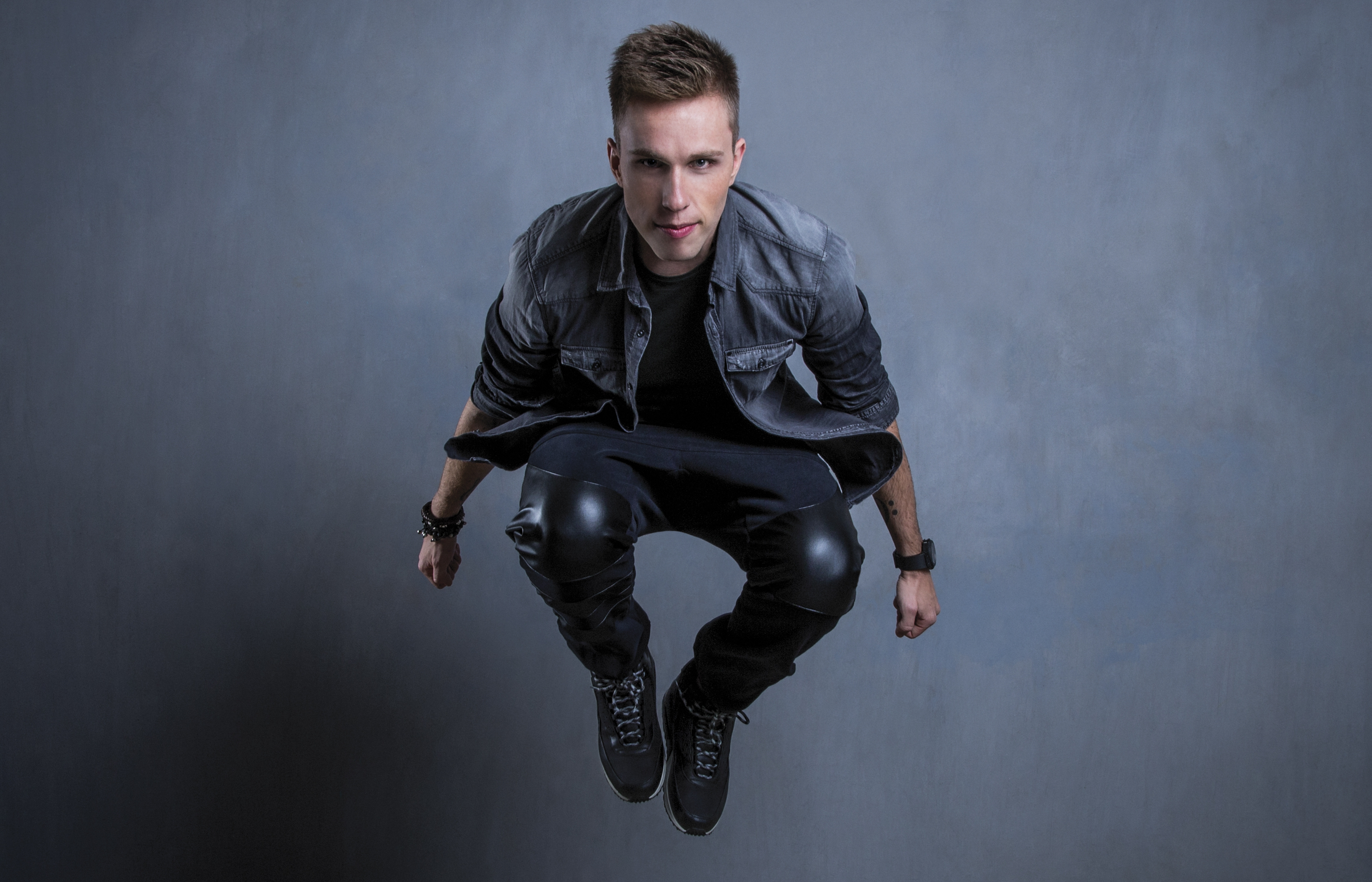 Nicky Romero Background