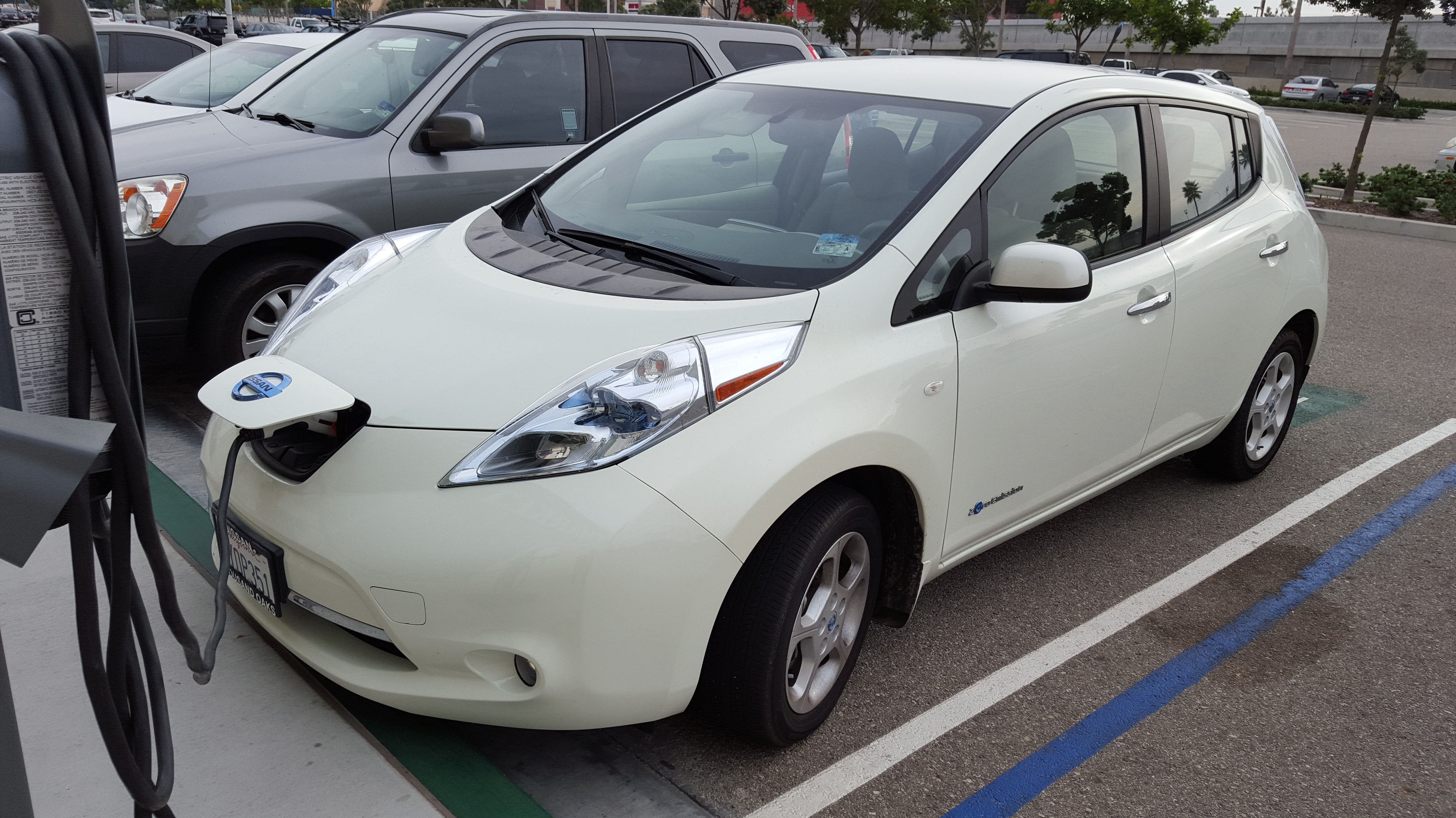 Nissan Leaf High Quality Wallpapers