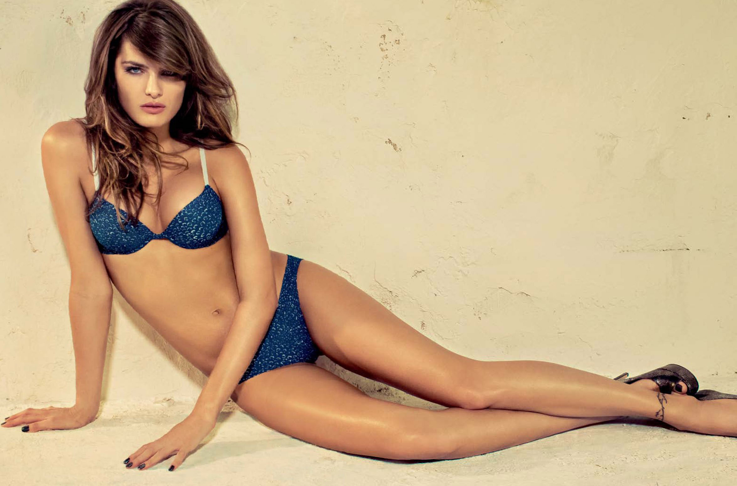 Pictures Of Isabeli Fontana