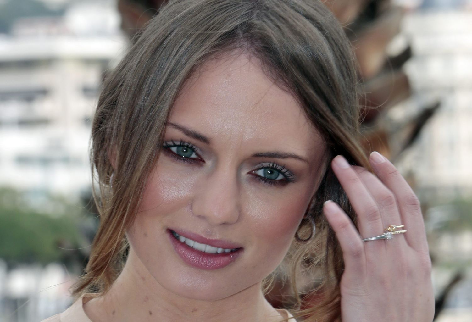 Pictures Of Laura Haddock