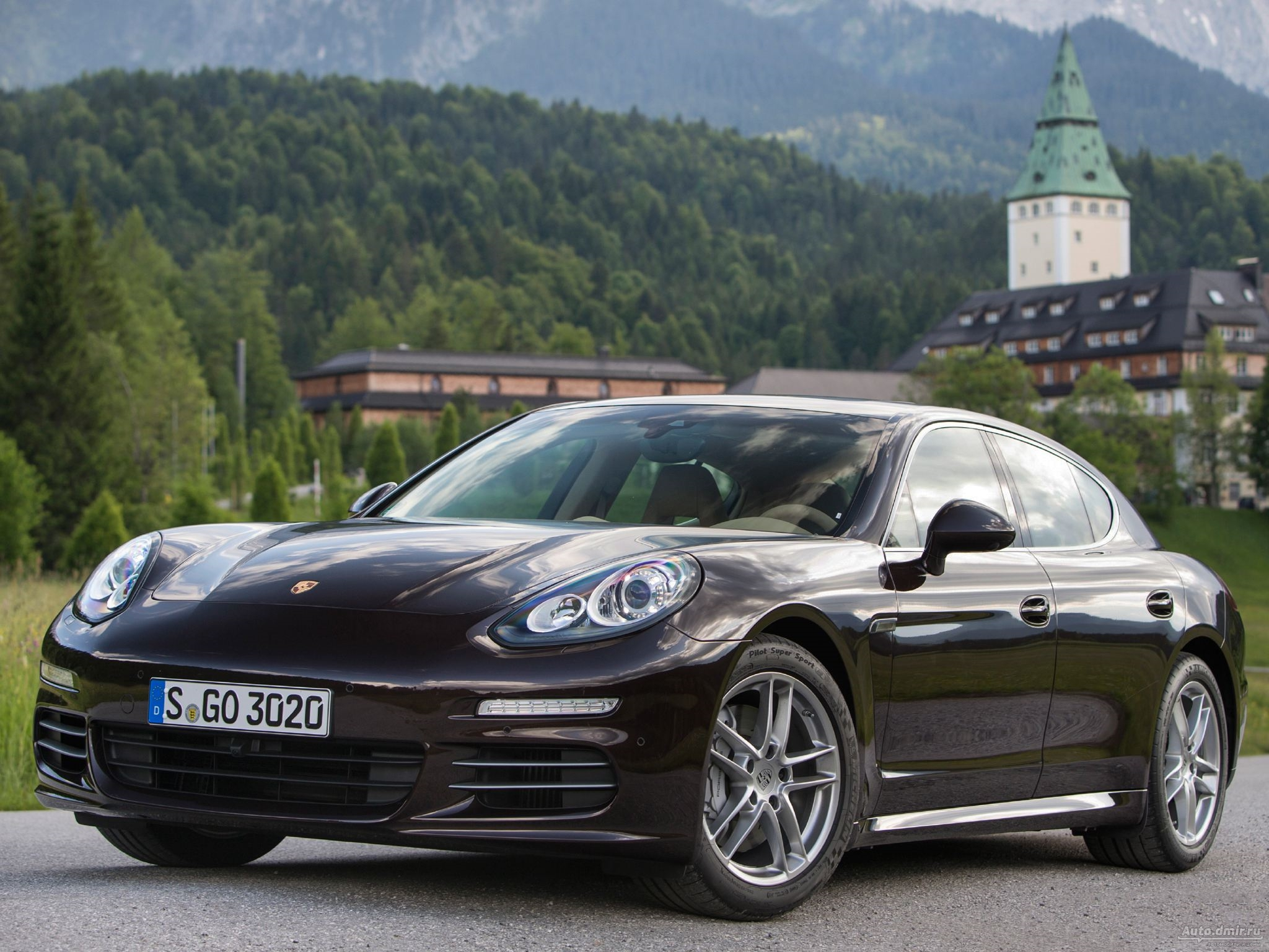 Porsche Panamera Wallpapers And Backgrounds