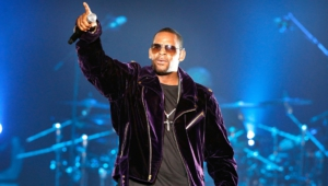 R Kelly Widescreen