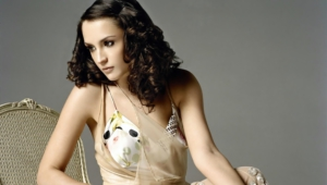 Rachael Leigh Cook Background