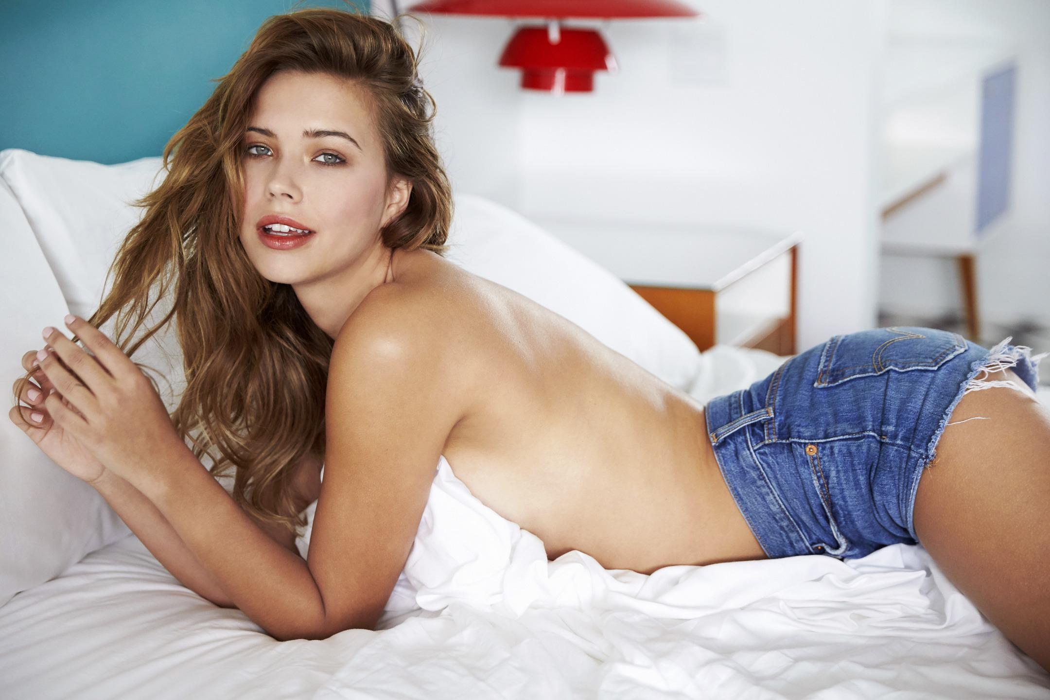 Sandra Kubicka Pictures