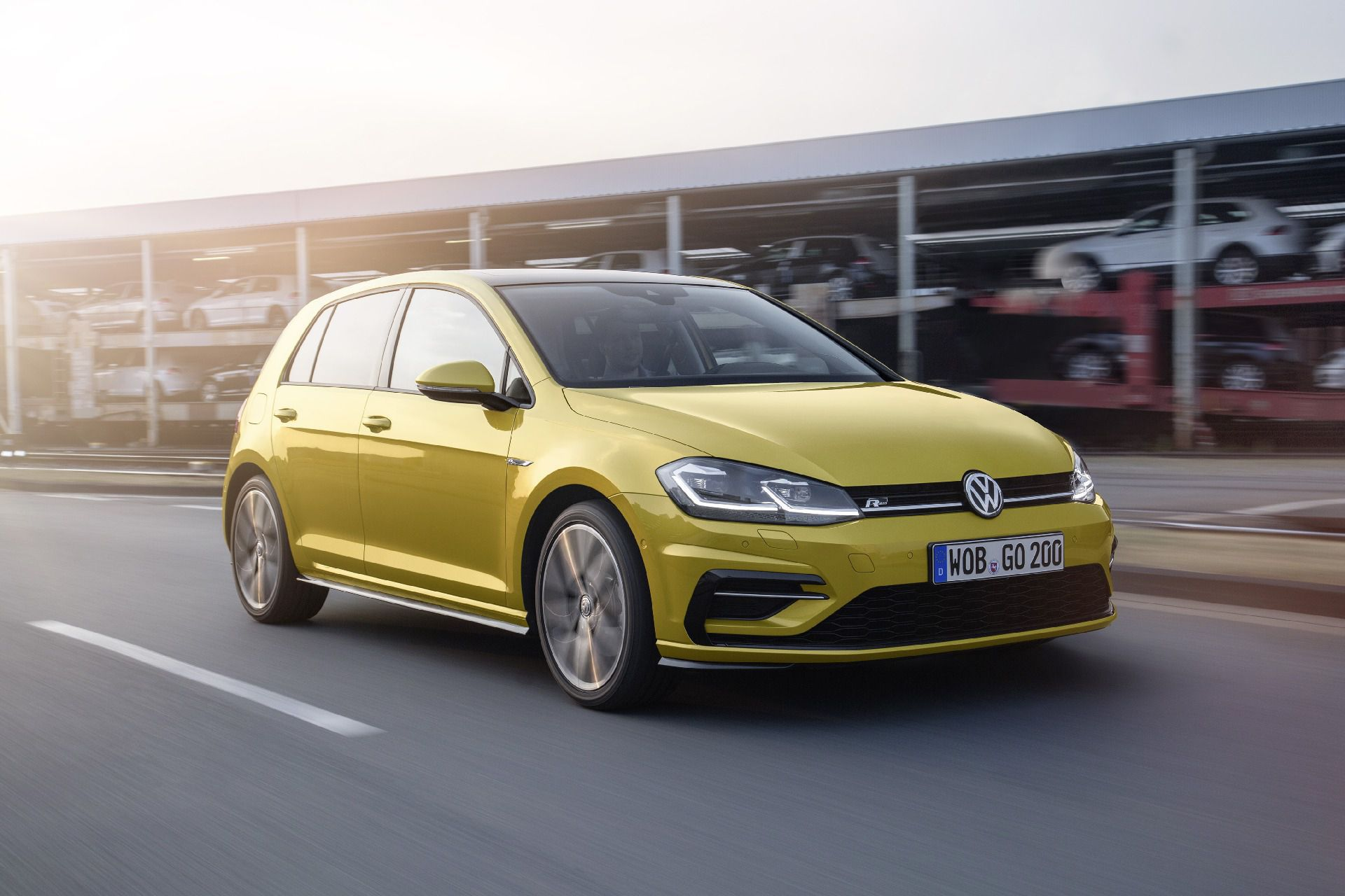 Volkswagen Golf Widescreen