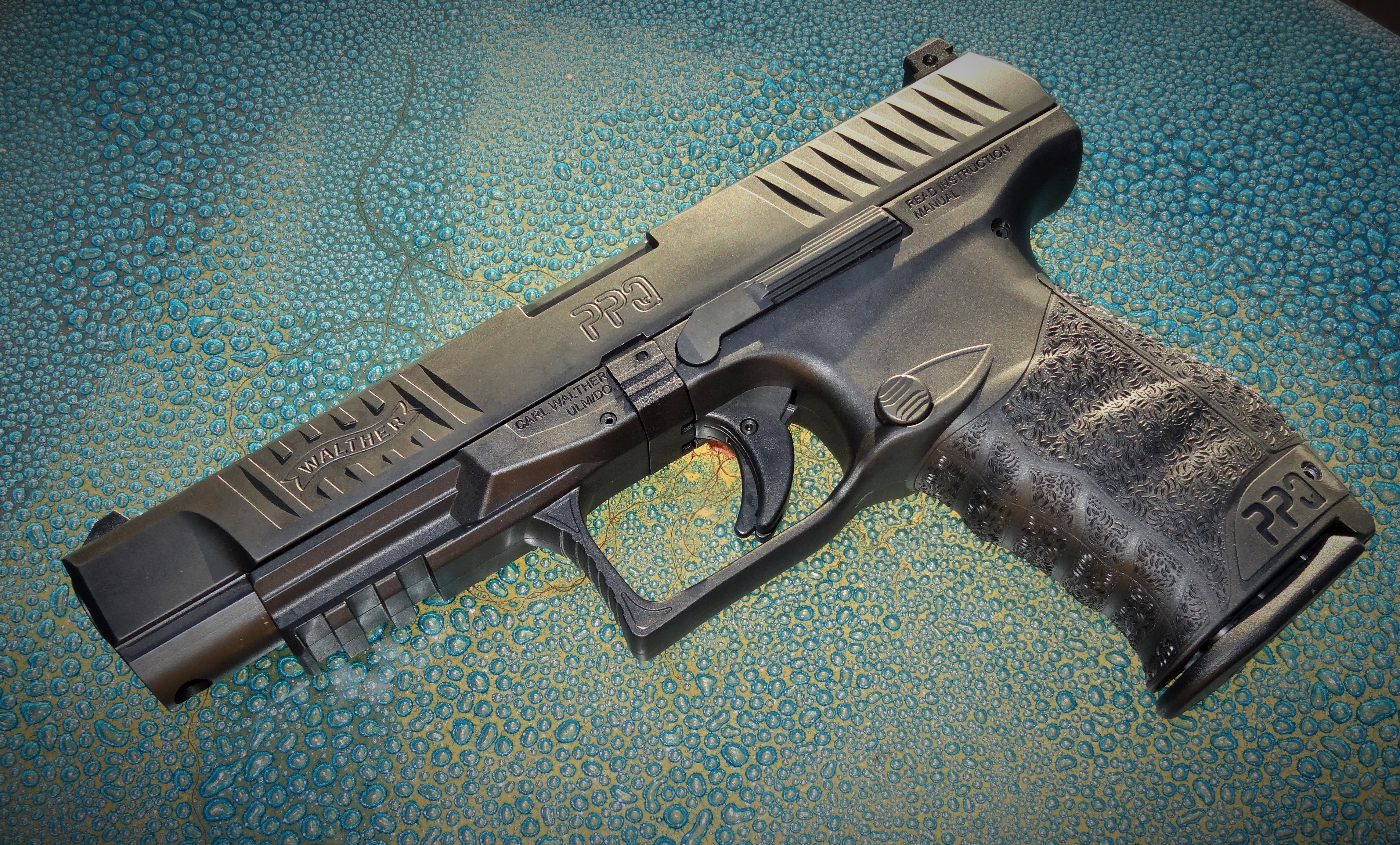 Walther Ppq Background