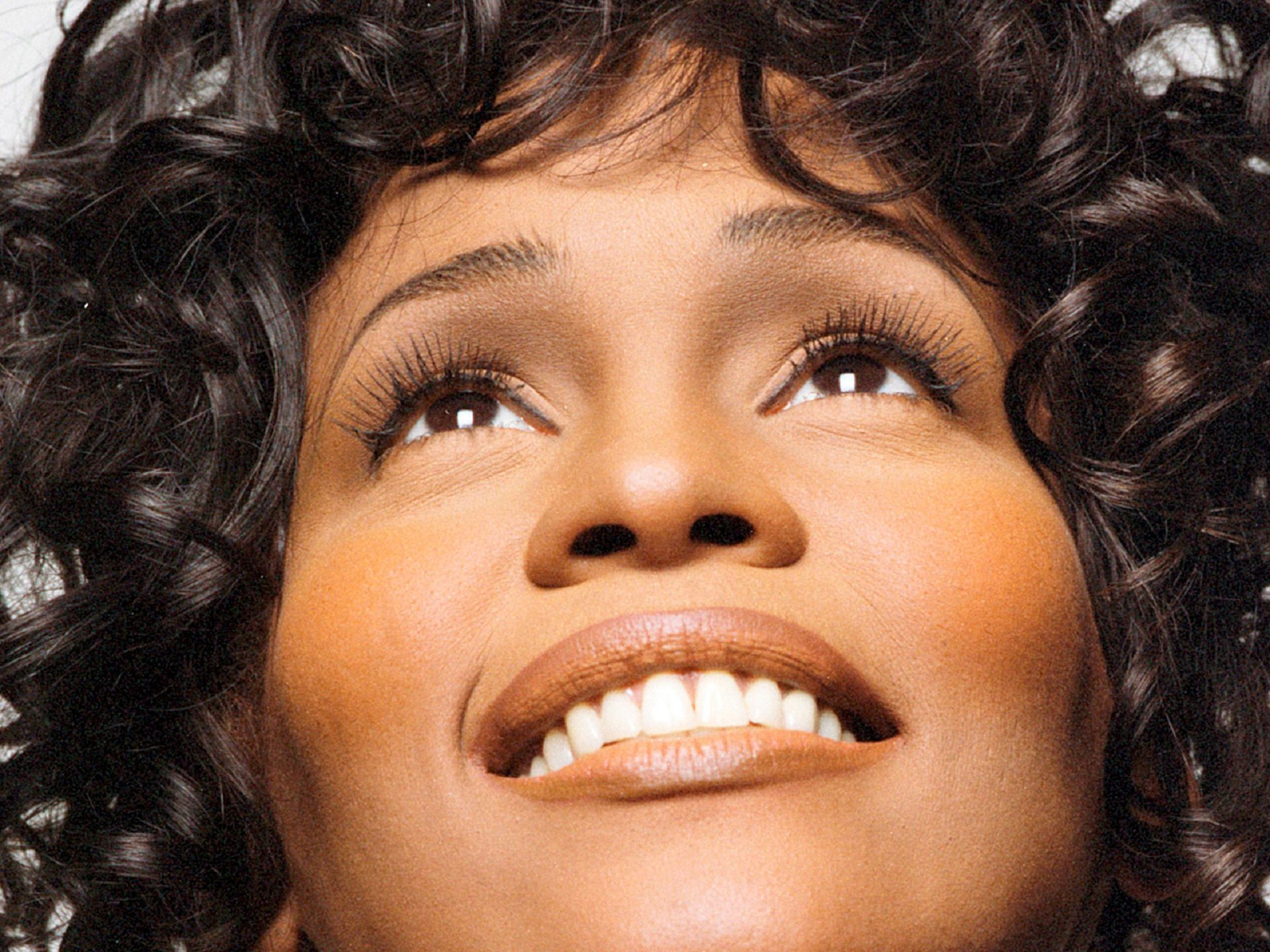 Whitney Houston High Quality Wallpapers
