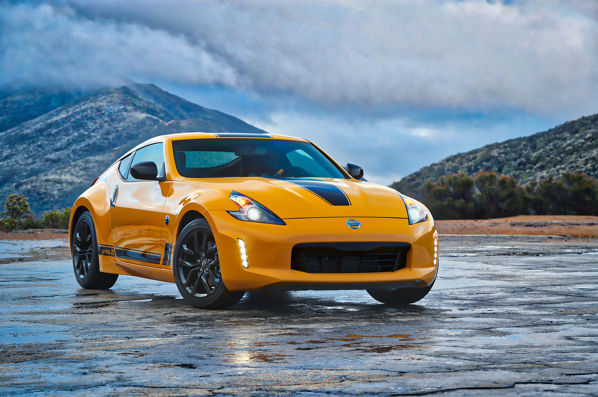 Nissan 370Z Heritage Edition Pictures