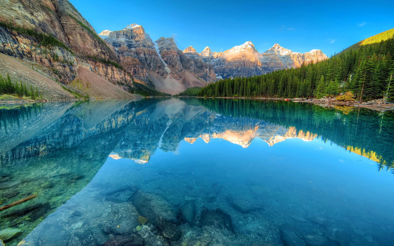Glacier Lake Moiraine Wallpaper