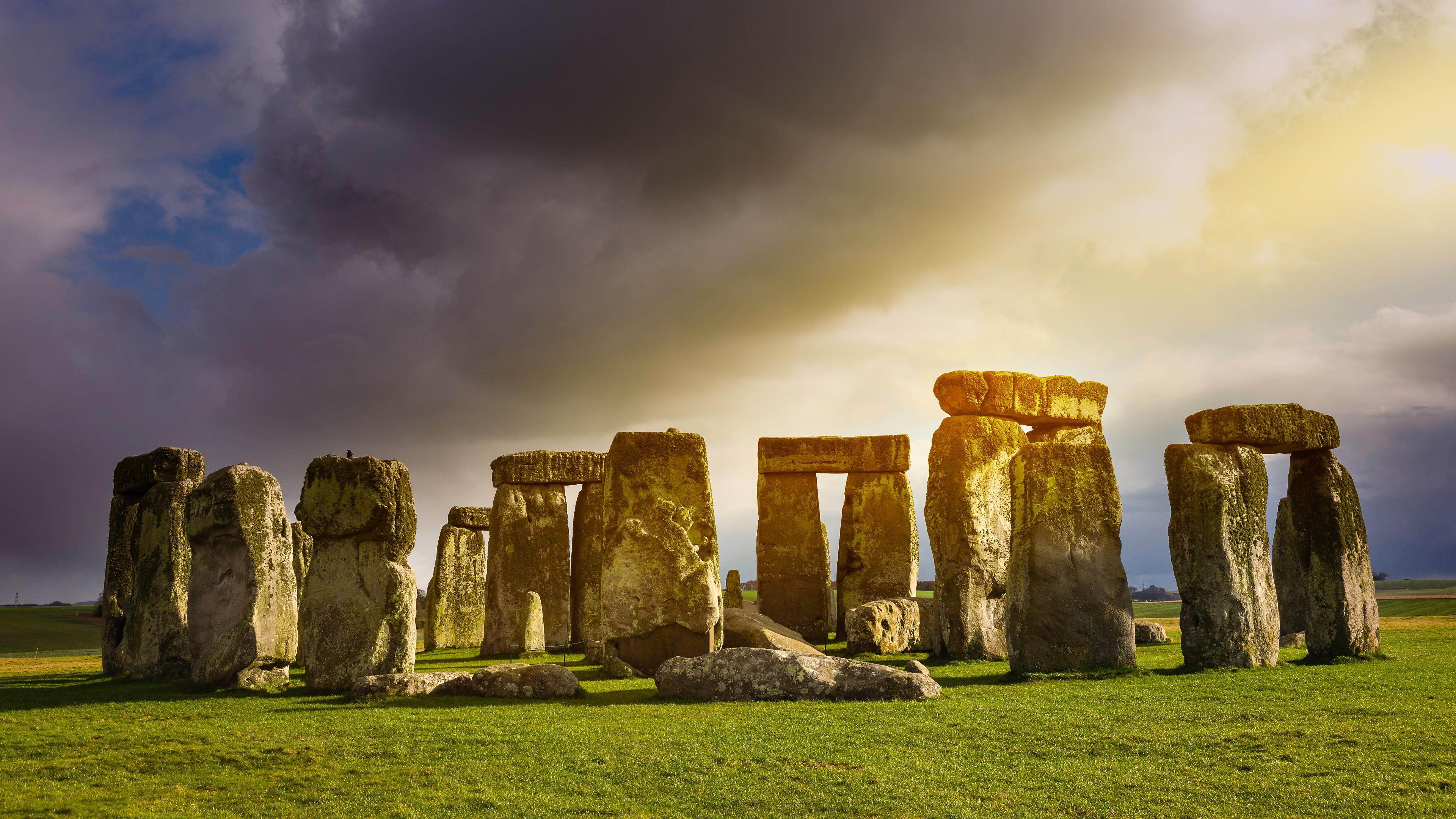 Stonehenge Widescreen