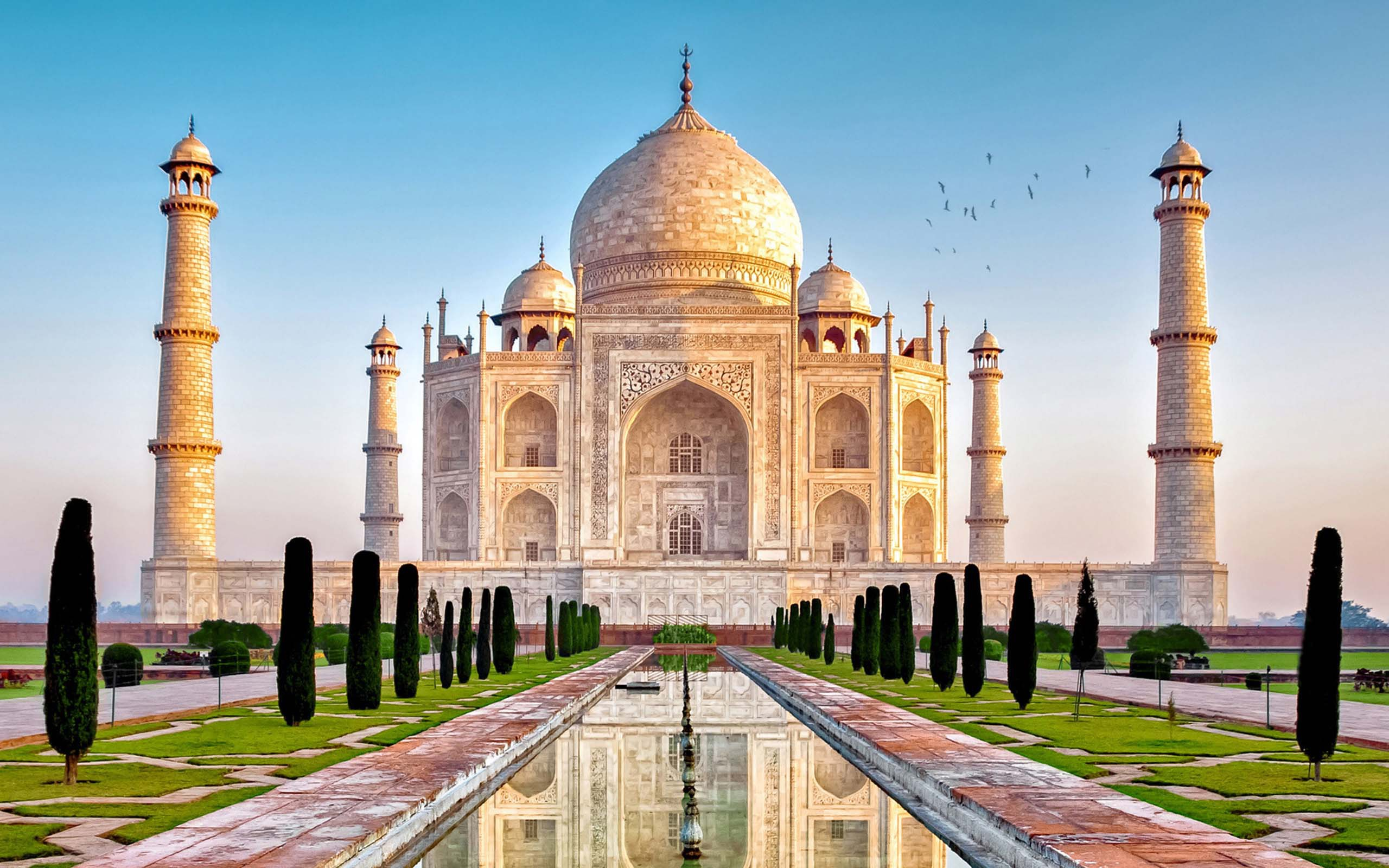 Taj Mahal Widescreen