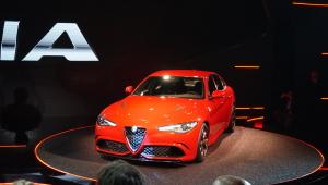 Alfa Romeo Giulia 2015 Desktop