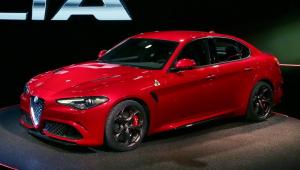 Alfa Romeo Giulia 2015 HD Background