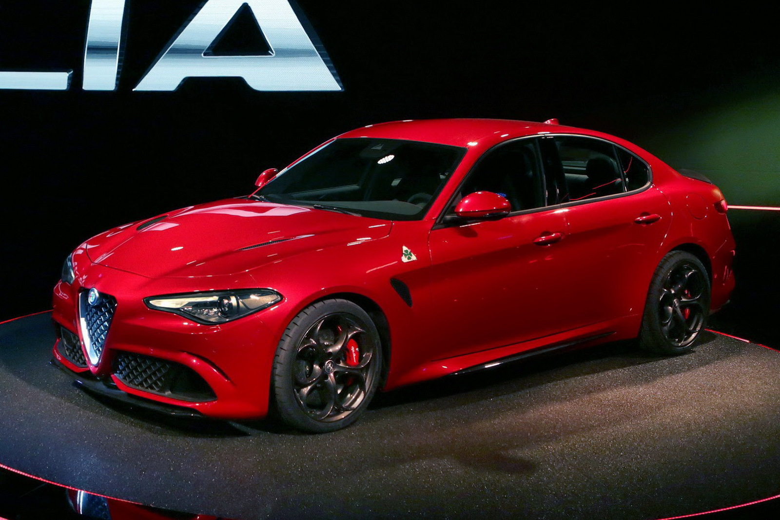 alfa romeo giulia 2015 wallpapers hd free download. Black Bedroom Furniture Sets. Home Design Ideas
