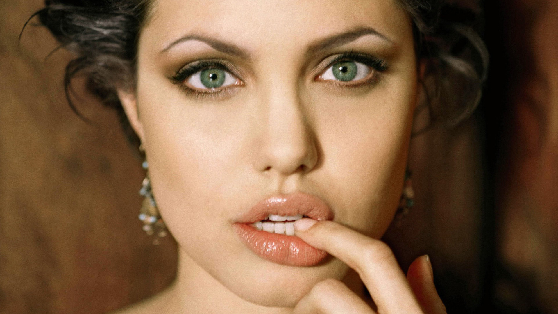 Angelina Jolie Hd Wallpapers Photos Pictures And Images HD Wallpapers Download Free Images Wallpaper [1000image.com]