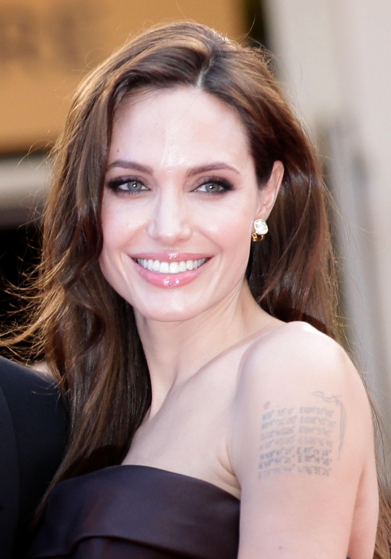 Angelina High Nude Photos 37