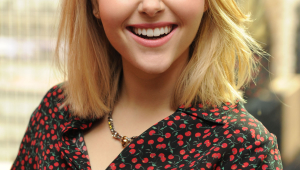 AnnaSophia Robb Iphone HD Wallpaper
