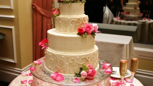 DeJulien Wedding Cake