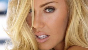 Nicole Aniston Iphone
