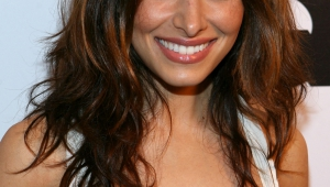 Sarah Shahi HD Iphone