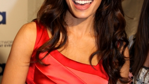 Sarah Shahi Iphone HD Wallpaper