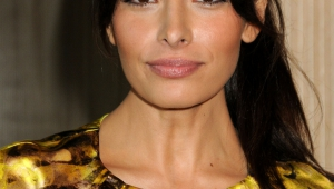 Sarah Shahi Iphone Images