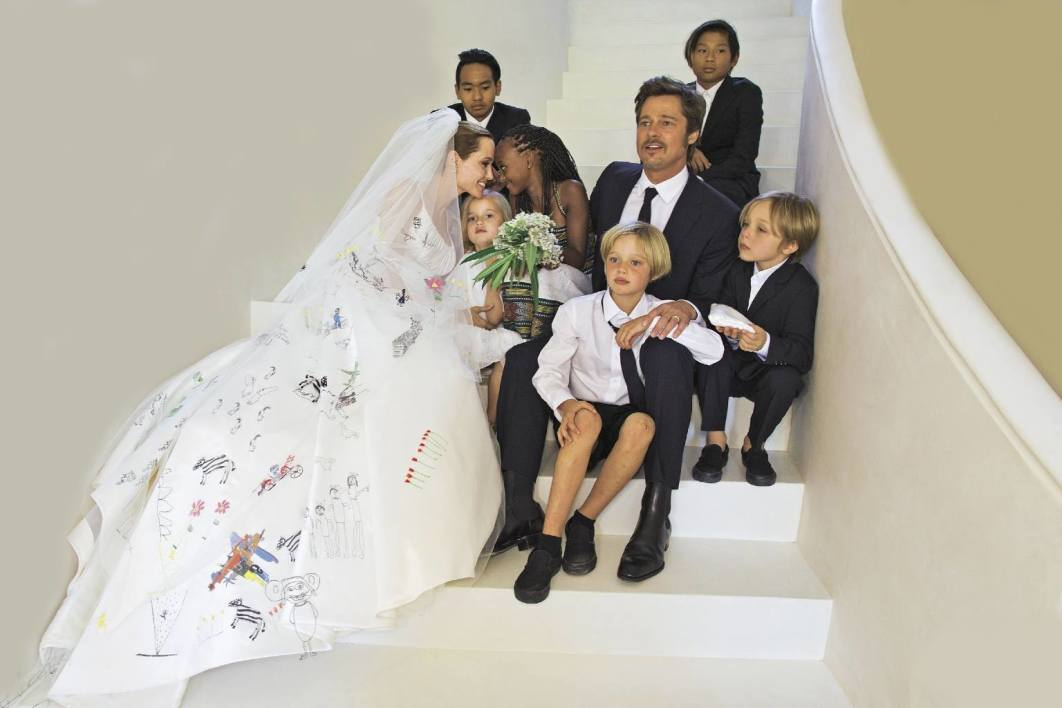 Brad pitt and angelina jolie wedding all photos pictures Married to design