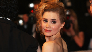 Alison Lohman HD Background