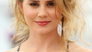 Alison Lohman Wallpaper For Iphone