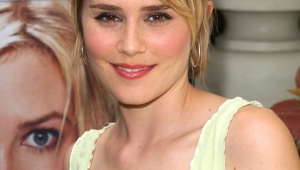 Alison Lohman Iphone Images