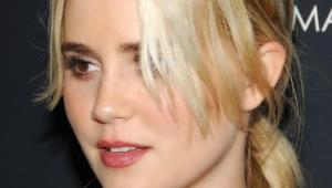 Alison Lohman Iphone Sexy Wallpapers