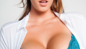 Alison Tyler Iphone Wallpapers