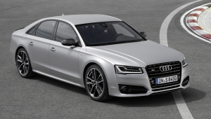 Audi S8 Plus Images