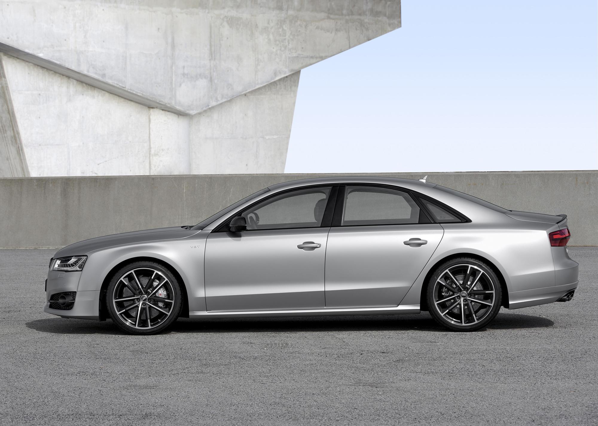 Audi S8 Plus Widescreen